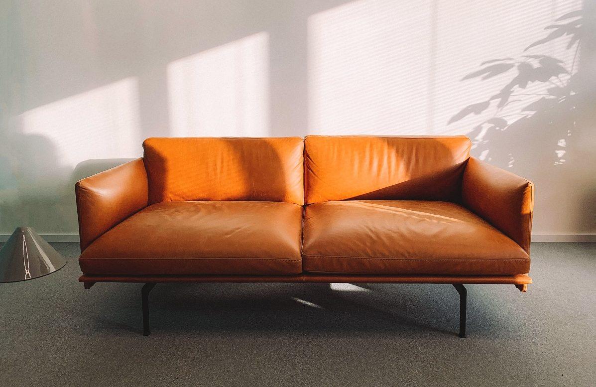 Як почистити м'які меблі: корисні лайфхаки