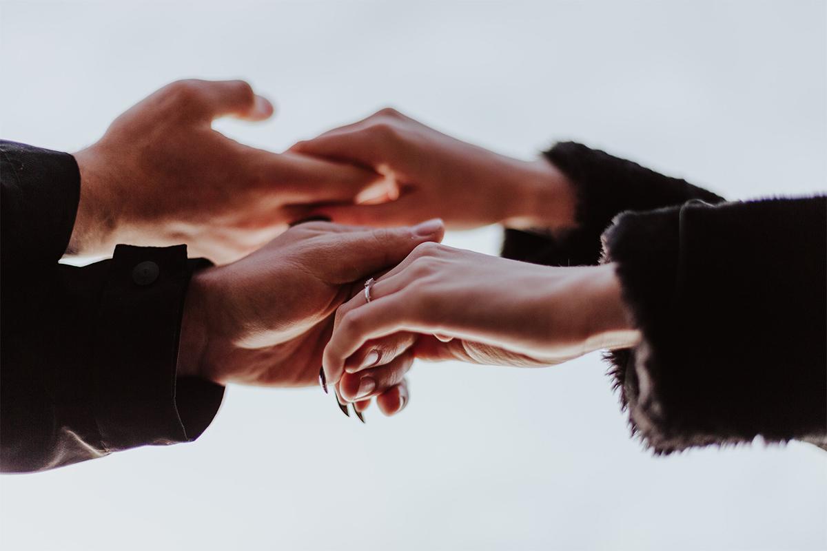 Щасливі разом: сім книг, які допоможуть зміцнити стосунки