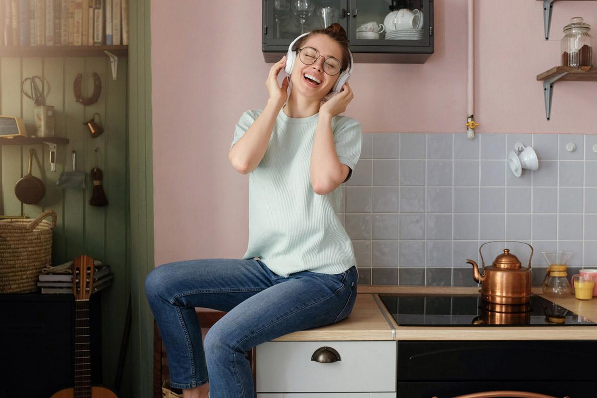 Кохай, веселись, навчайся: як якісно провести час вдома